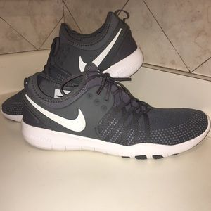 sports shoes 5b1ac 2a7b7 Nike Shoes - Nike Womens Free TR7 in Dark GreyWhite.